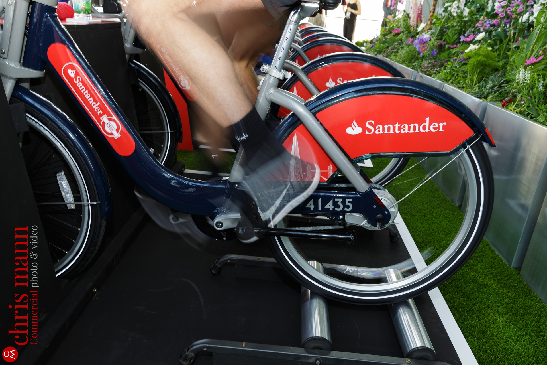 Santander-Cycles-spin-up-class-The-Shard-019