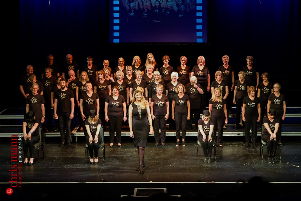 Show Choir performs Cabaret Choiroke 2017 concert | Harlequin Redhill