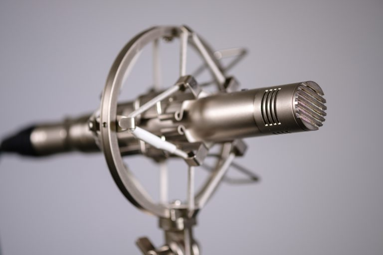 small diaphragm condenser recording microphone in shock mount