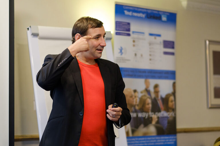 Elliot Kay Speaker Express presenting at business networking corporate event